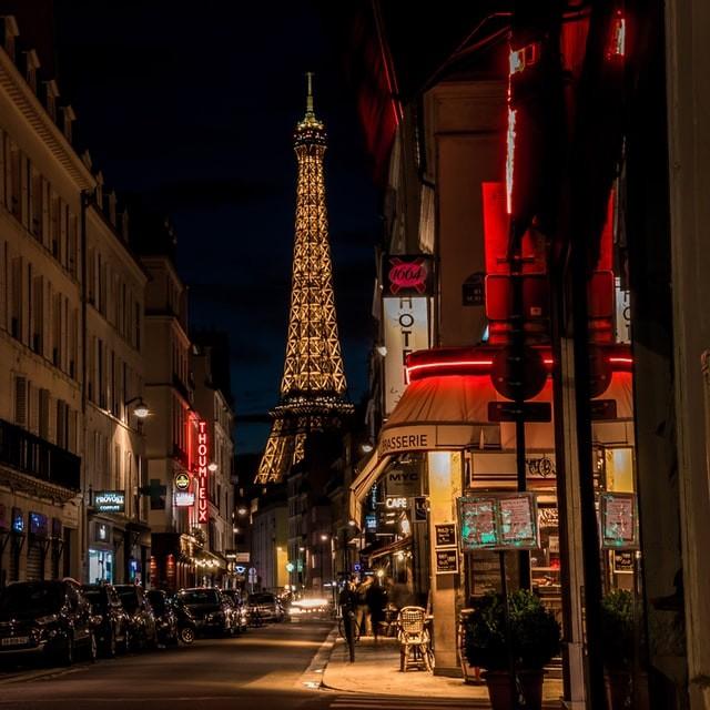 Reseña Emily in Paris
