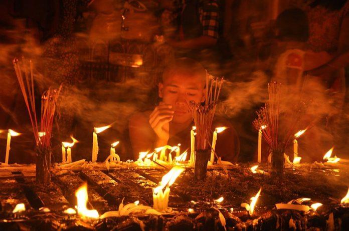 myanmar-yangon-burma-buddhism