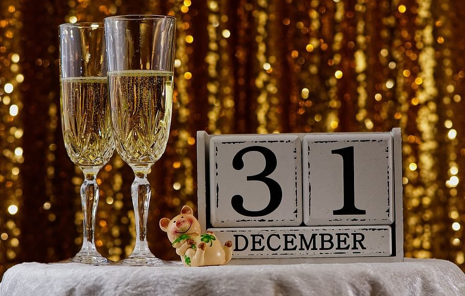 new-year-s-eve-new-year-s-day-party-champagne