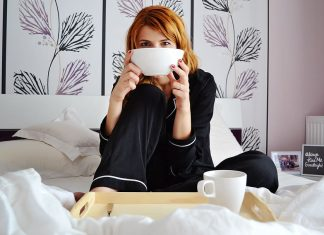 girl-in-bed-breakfast-in-bed-girl-with-cereal-bowl-attractive
