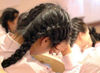 bored-school-kid-school-girl-sleep