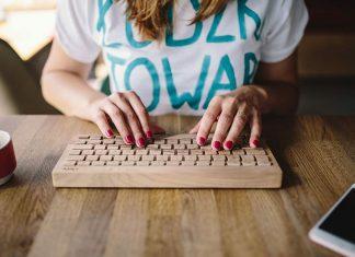 female-woman-workspace-workplace